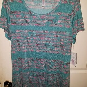 BRAND NEW with tags LuLaRoe Medium Classic T